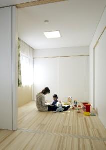 将来2室に間仕切れる子供室。